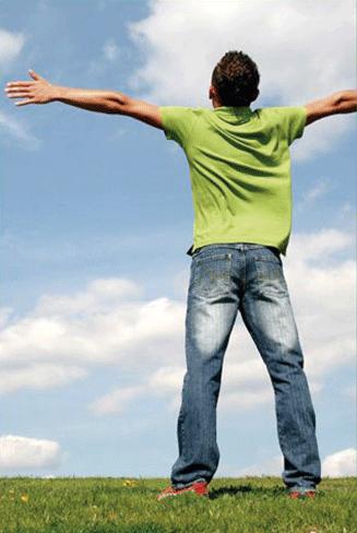 Hombre feliz en logoterapias de mexico